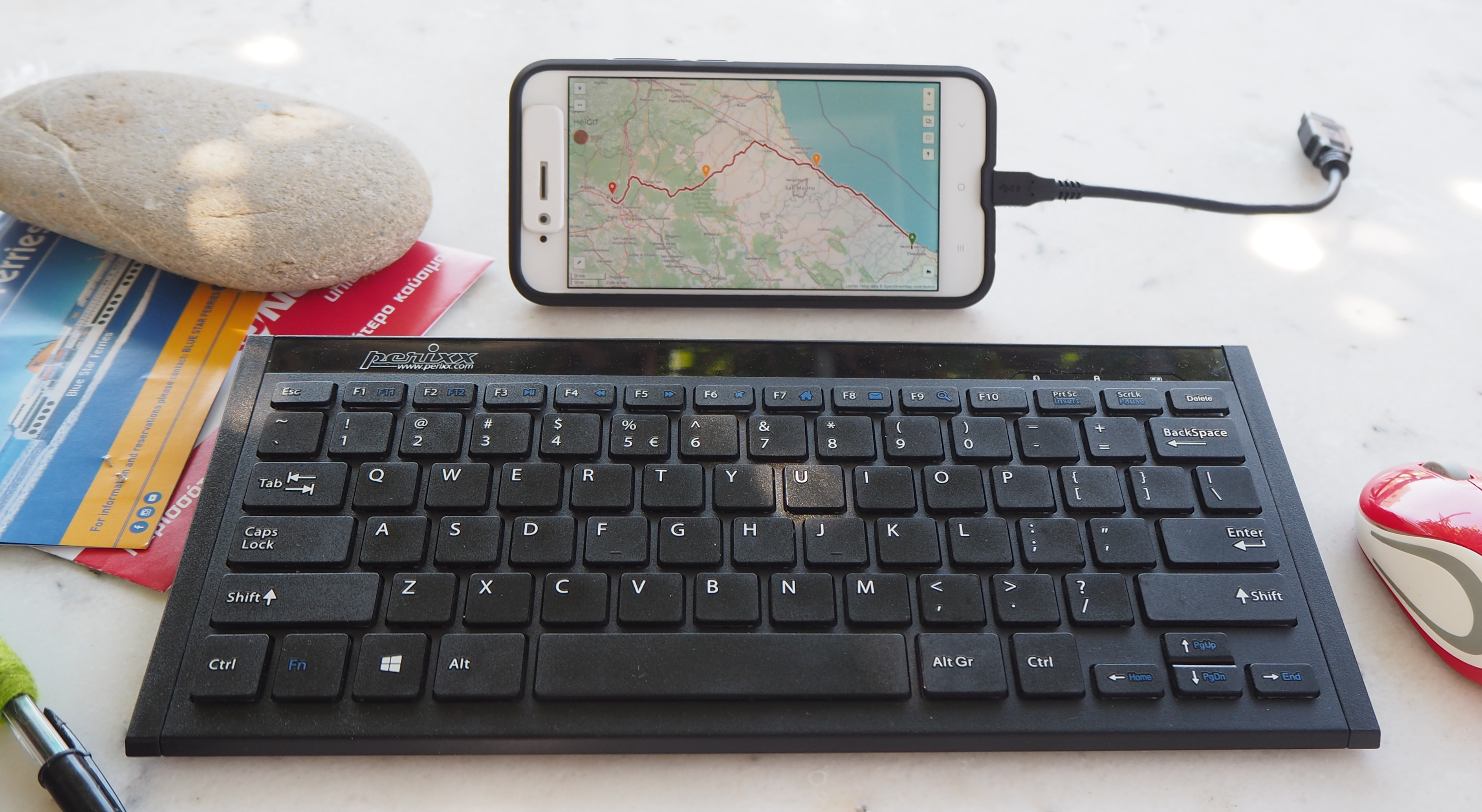 An Android Smartphone with keyboard and mouse